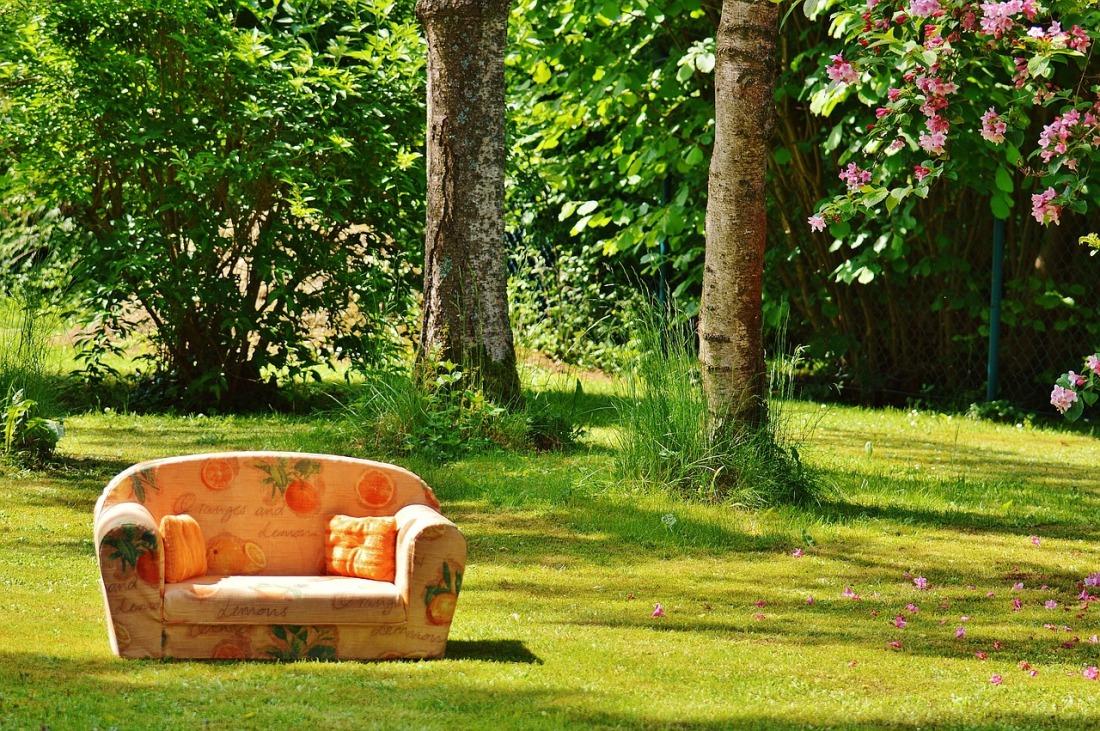 sofa-788635_1280.jpg