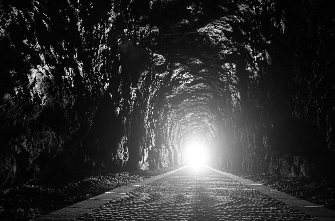 tunnel-2890114_1280.jpg