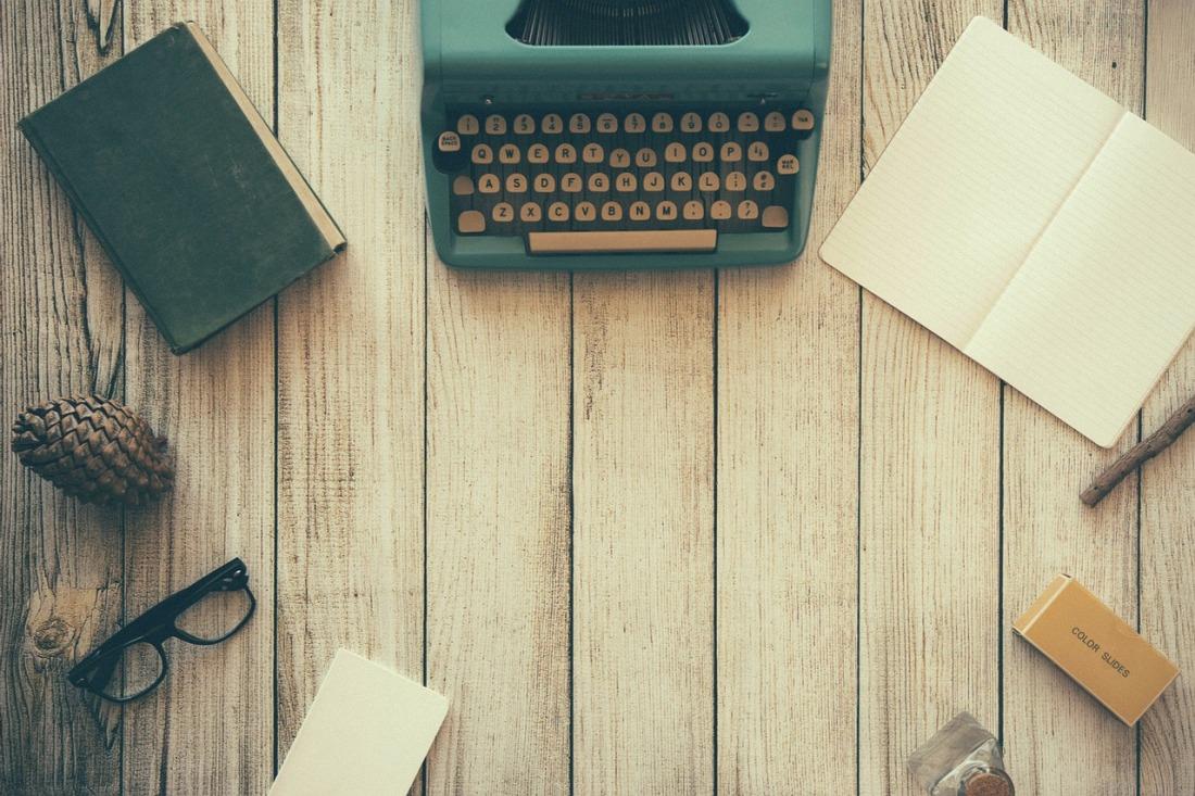 typewriter-801921_1280.jpg
